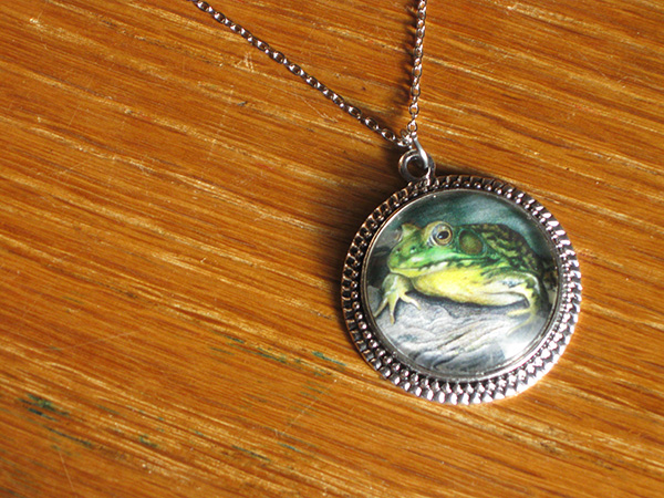green-frog-necklace-4