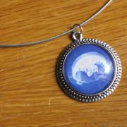 jellyfish-necklace