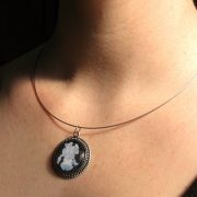 majestic-iris-necklace