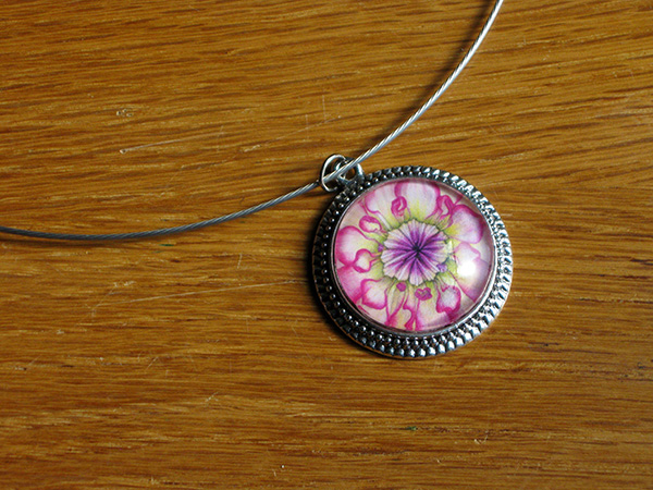 pink-dahlia-necklace