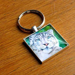 snow-leopard-keychain-600